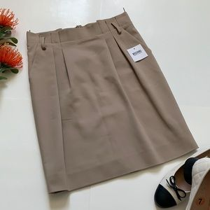Moschino amazing skirt new with tags size 4 US